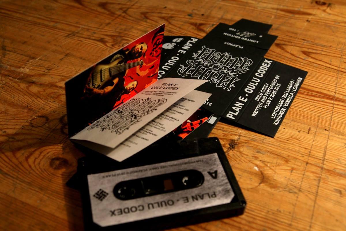 White ink on black cardboard - Custom made booklet