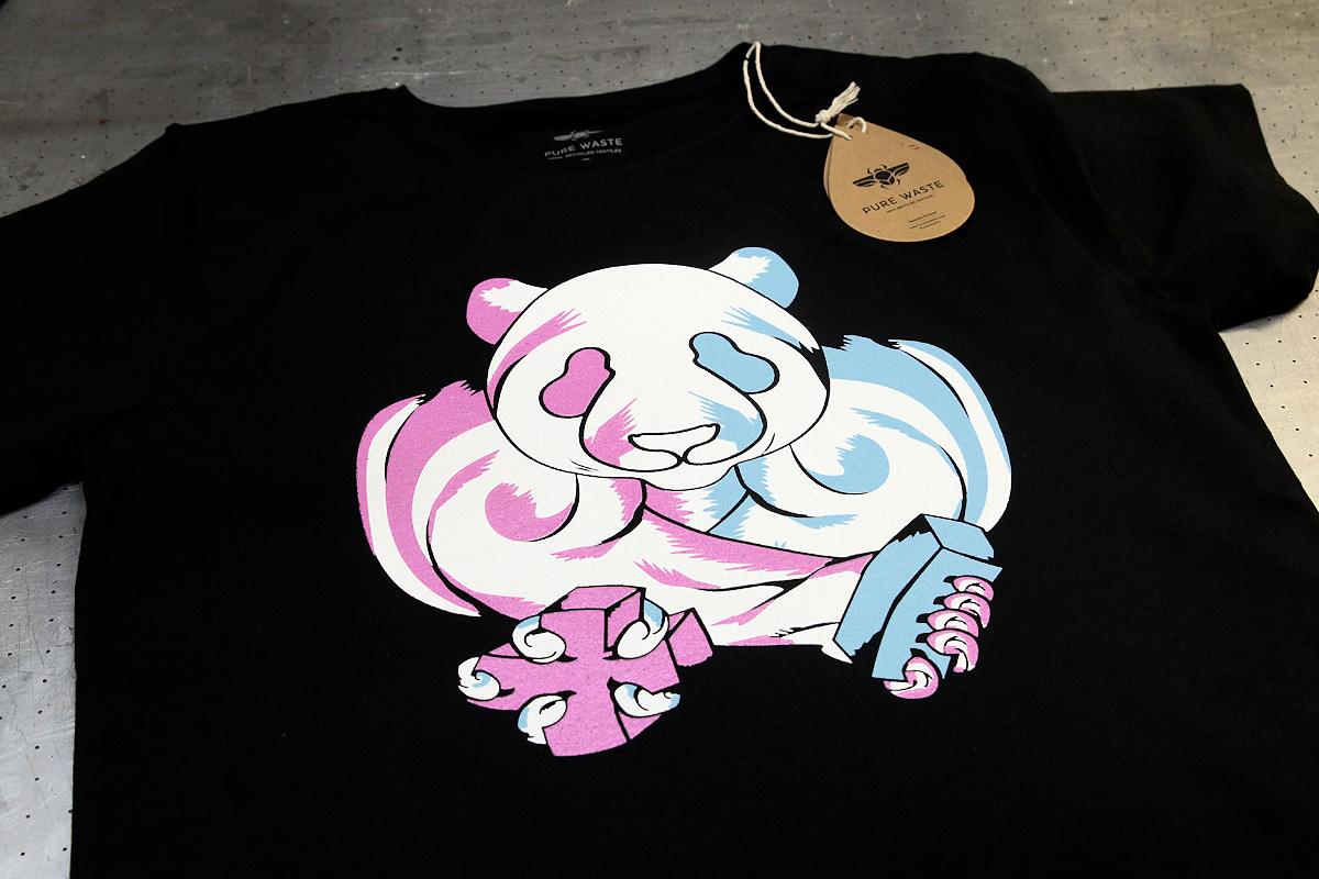 MOAR - 3-värinen silkkipainatus t-paitaan