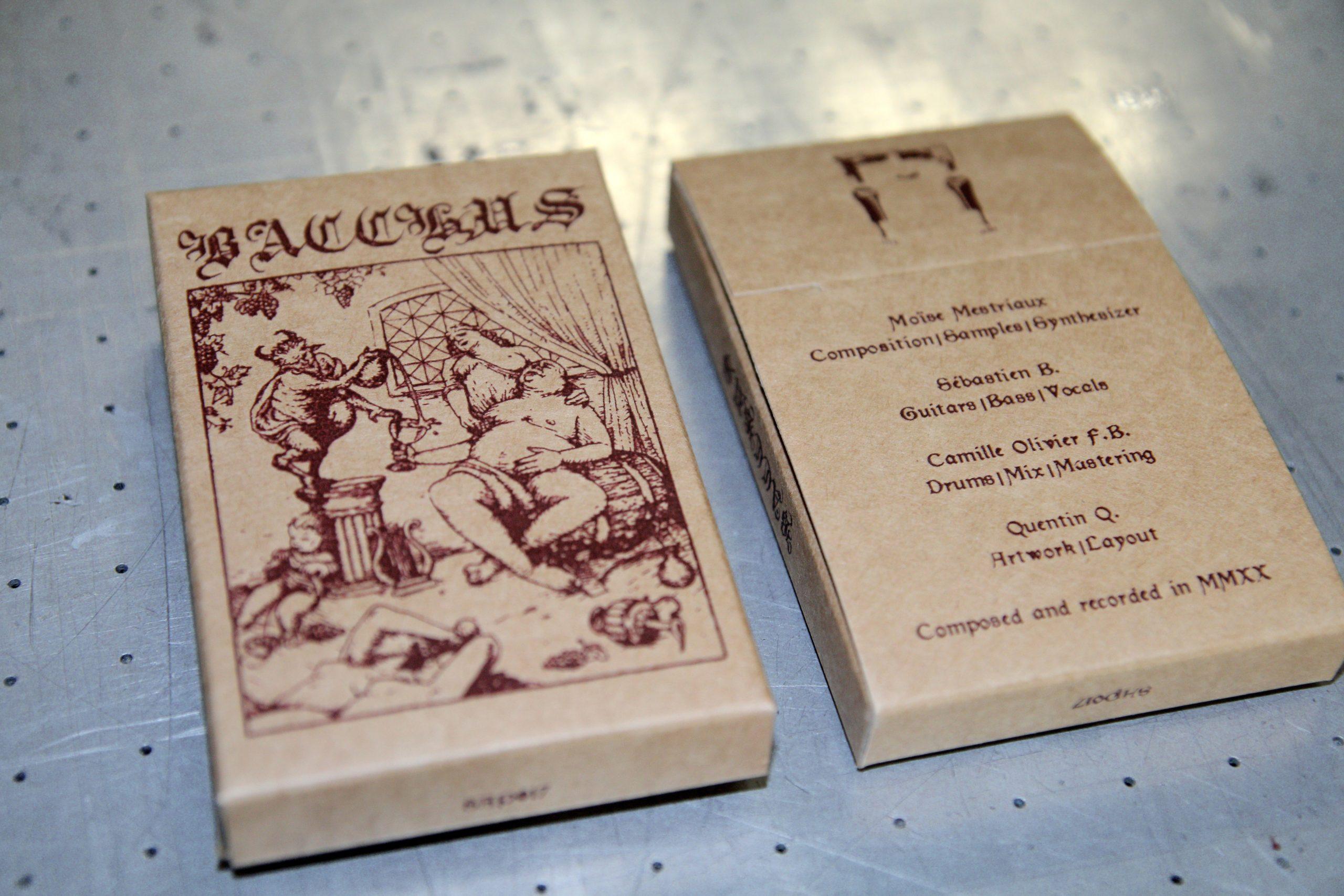 Bacchus - silkkipainettu kraft-kasettikotelo