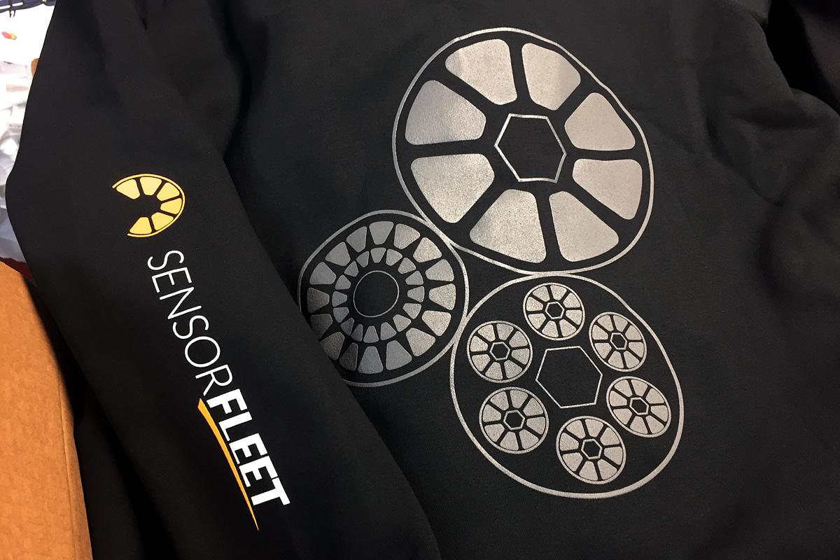 SensorFleet - 2-värinen silkkipainettu huppari